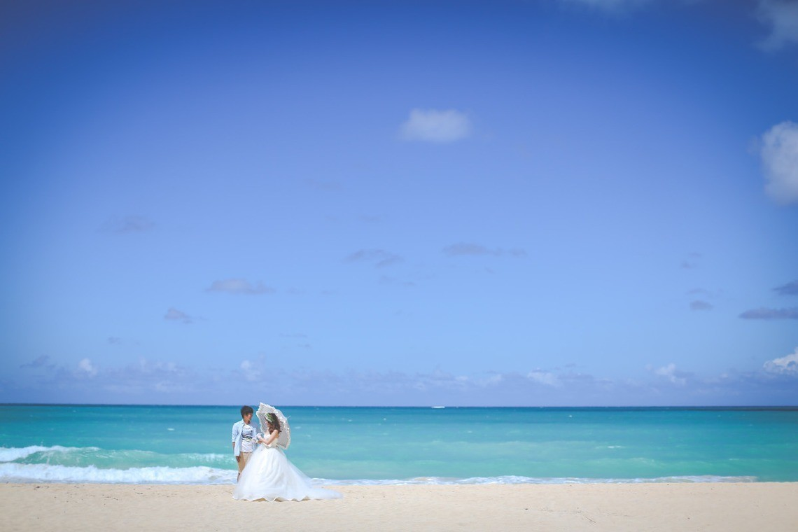 Beach in Wedding Gown taken by Photo by SUNBLOOM (KIKU)