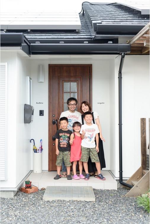 福里 大志が撮影した自宅での家族写真