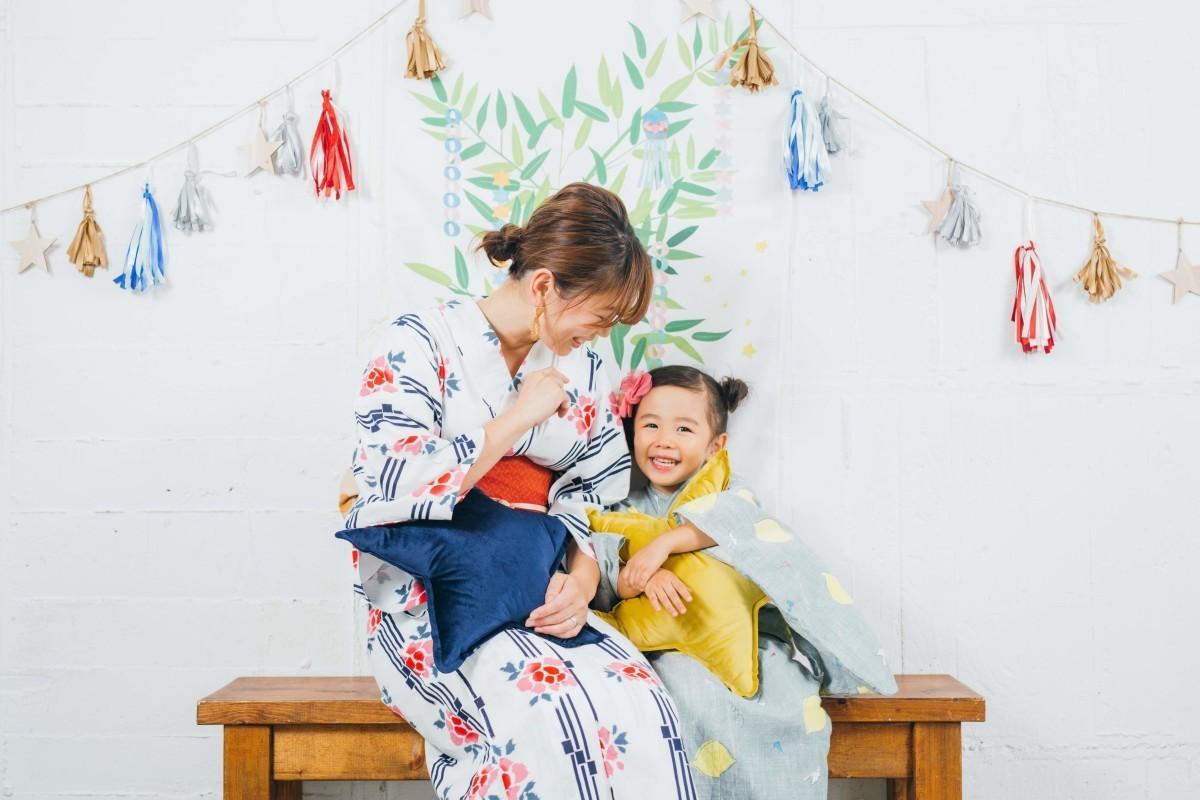 高野和希が渋谷のスタジオで撮影した家族写真