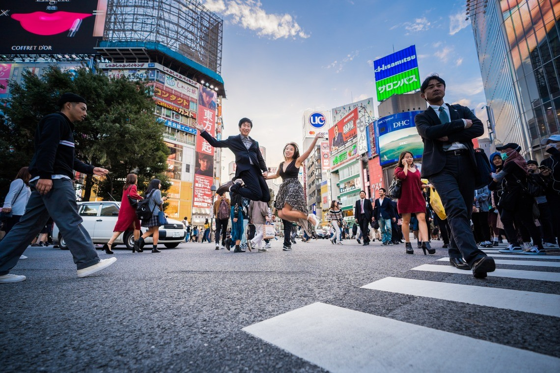 A jumping pose in Shibuya Crossing!