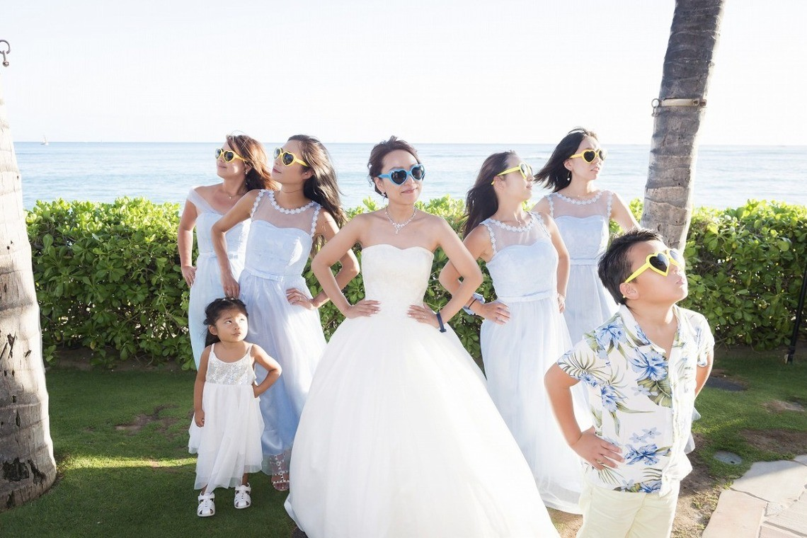 Bridesmaids in Hawaii — Photo by Ruu Photographer