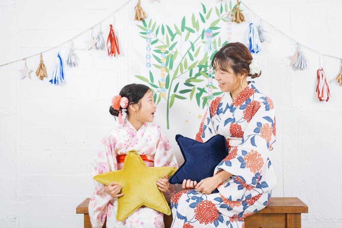高野和希が渋谷のスタジオで撮影したママと娘さんの写真