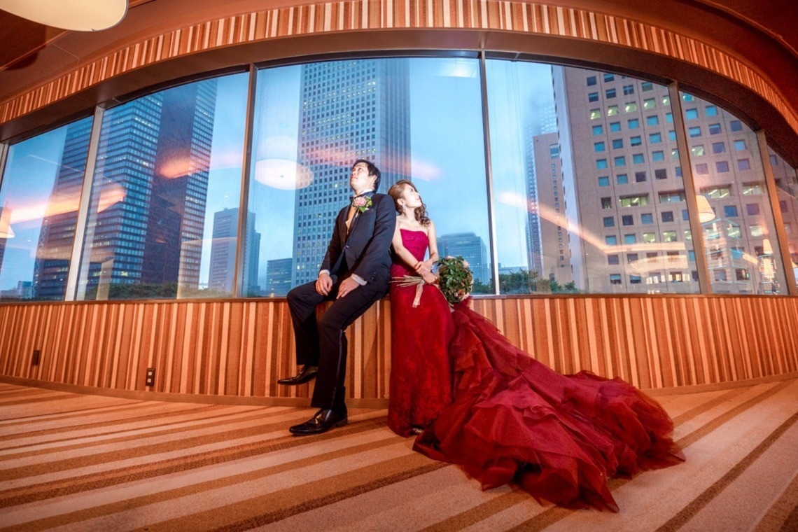 Dramatic Wedding Couple Shot — Photo by Natsumetic Photography